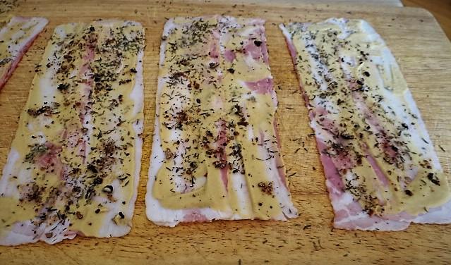 Schweinebauch Roulade mit Sauerkraut und Kartoffelstampf (10)