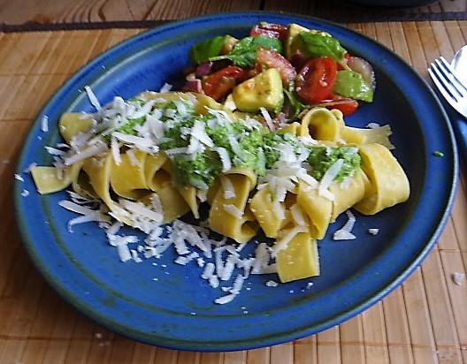 Tomaten Avocado Salat mit (10)