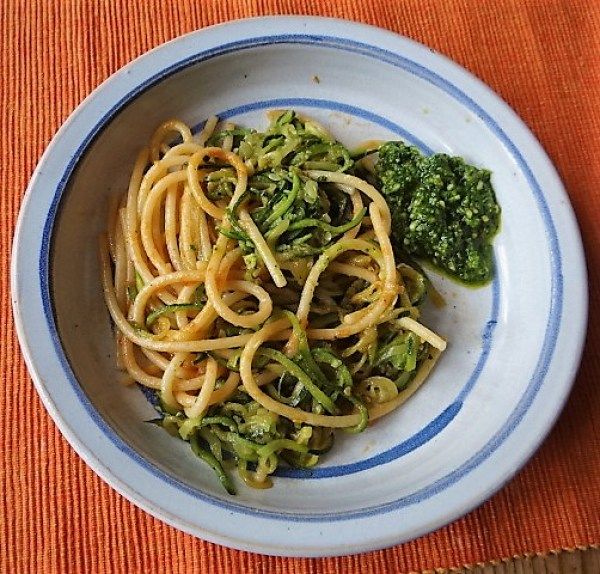 Hartweizengries Nudeln mit Zucchini Zoodles (2)