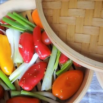 Kartoffel Zoodles, Gemüse im Gärkorb, Ajvar Feta Creme, Guacamole (10)
