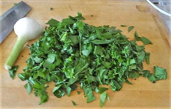 Kartoffelschnecken mit Bärlauch,Tomatensugo, Gurkensalat (10)