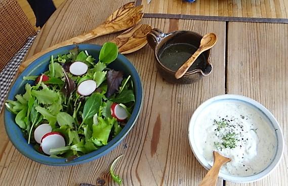 Kräutersaitlinge,Kartoffelrosen, Salat (4)