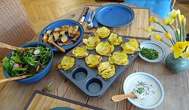 Kräutersaitlinge,Kartoffelrosen, Salat (5)
