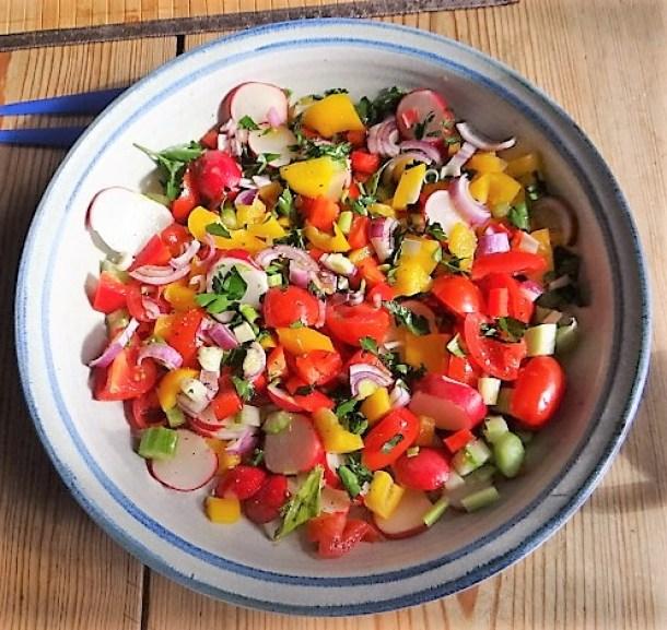 Marinierter Hering,Bunter Salat, Bratkartoffeln (12)