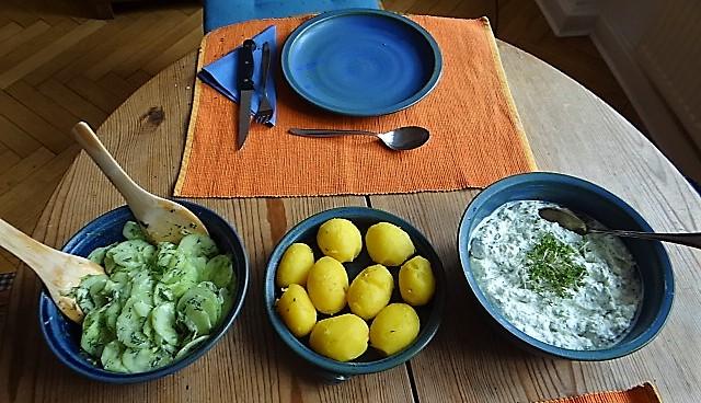Quark,Kartoffeln,Gurkensalat (1)