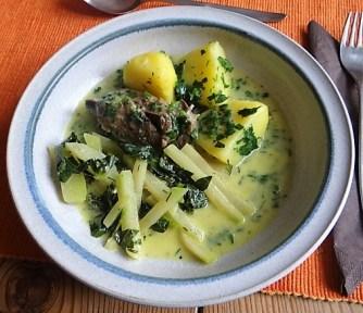 Rindfleisch in Petersiliensauce, Kohlrabigemüse,Salzkartoffeln (22)