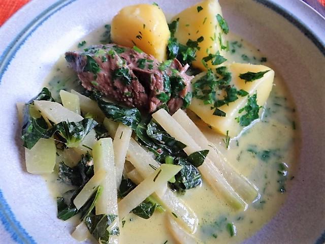 Rindfleisch in Petersiliensauce, Kohlrabigemüse,Salzkartoffeln (3)