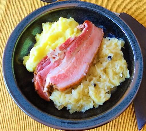 Sauerkraut,Wellfleisch,Kartoffelstampf (2)