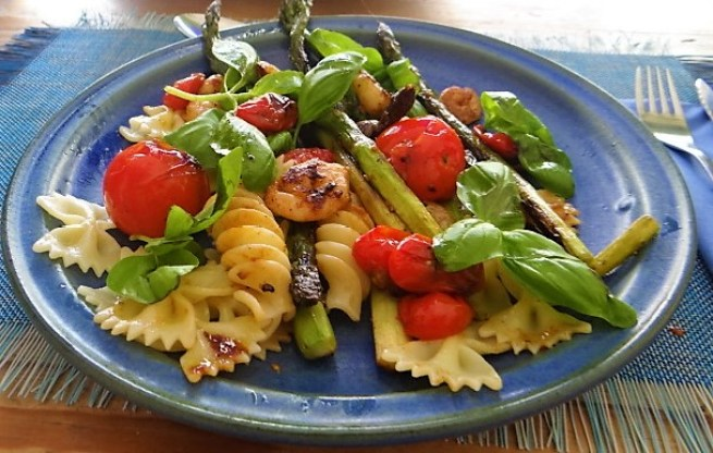 Grüner Spargel,Tomaten und Garnelen (19)