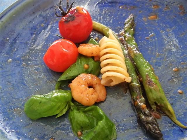 Grüner Spargel,Tomaten und Garnelen (4)