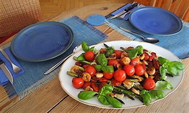 Grüner Spargel,Tomaten und Garnelen (5)