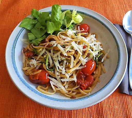 Linguine,Zoodles,Tomaten,Endivien (1)