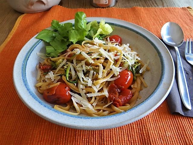 Linguine,Zoodles,Tomaten,Endivien (2)