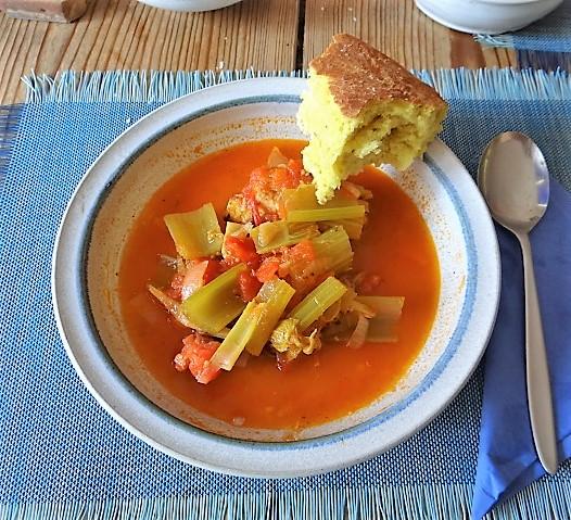 Staudensellerie Suppe mit Weißbrot (2)