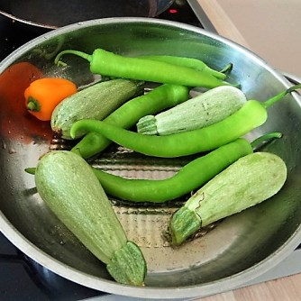 Gebratenes Gemüse mit gebackenem Feta und Kartoffeltaler (13)