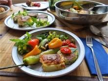 Gebratenes Gemüse mit gebackenem Feta und Kartöffeltaler (22)