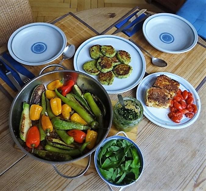 Gebratenes Gemüse mit gebackenem Feta und Kartöffeltaler (8)