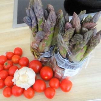 Grüner Spargel mit Tomaten (2)