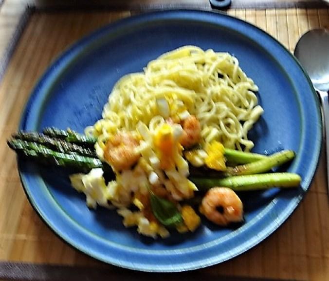 Spaghetti,Grüner Spargel, Ei, Garnelen (19)