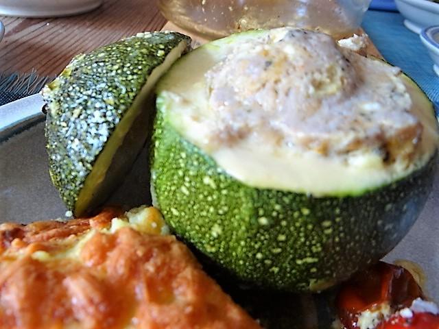 Gefüllte Zucchini mit Kartoffelauflauf (3)