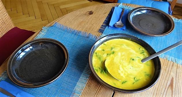 Kartoffel,Süßkartoffelsuppe mit Kichererbsen und frischem Spinat (4)