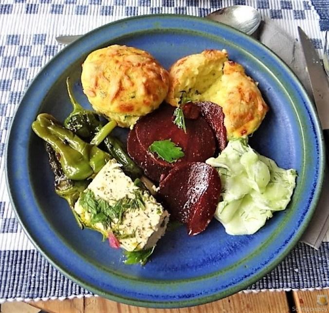 Kleine Kartoffelaufläufe,Rote Beete,Gurke,Pimientos,Feta (2)