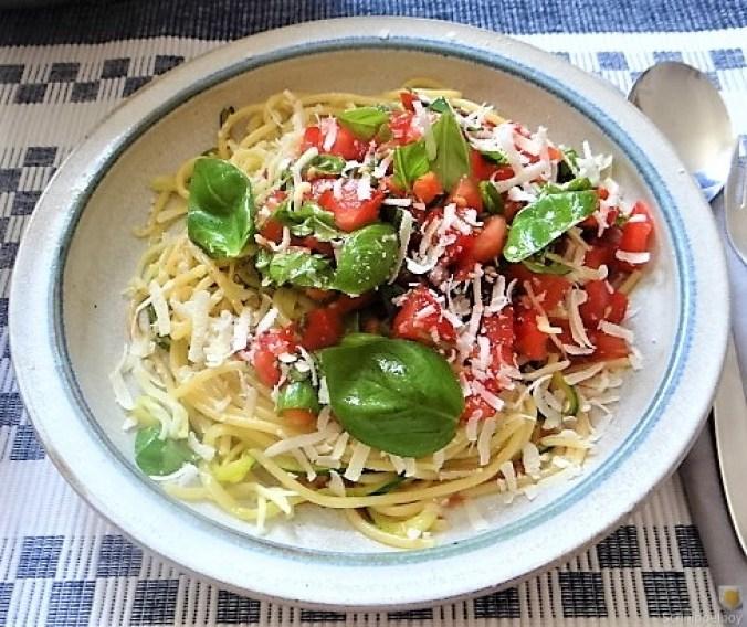 Spaghetti mit Tomaten (Keka) (14)
