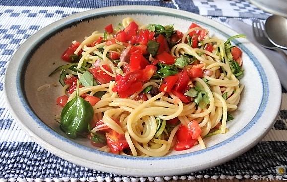 Spaghetti mit Tomaten (Keka) (15)