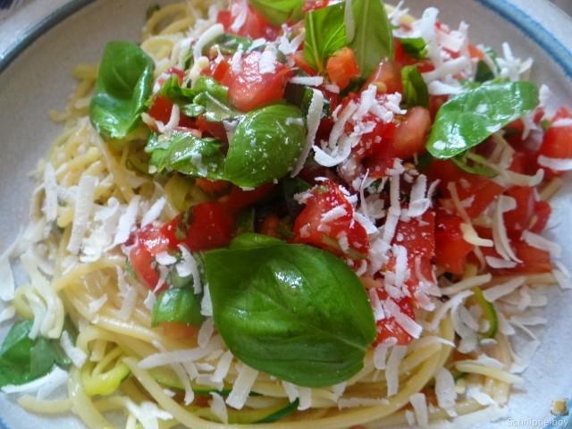 Spaghetti mit Tomaten (Keka) (3)