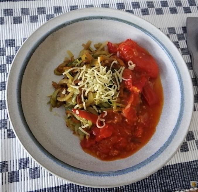 Zucchini ,Kartoffel Zoodles,Tomatensoße (17)