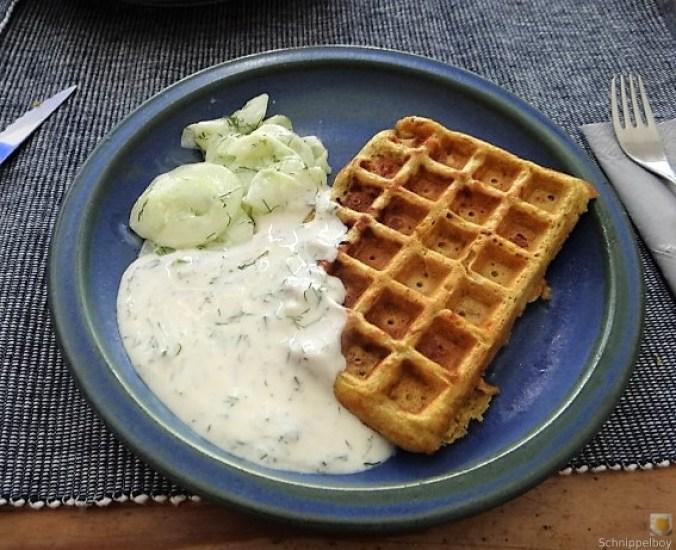 Käse_Schinkenwaffel mit Joghurt-Zitronen-Dill Dip (2)