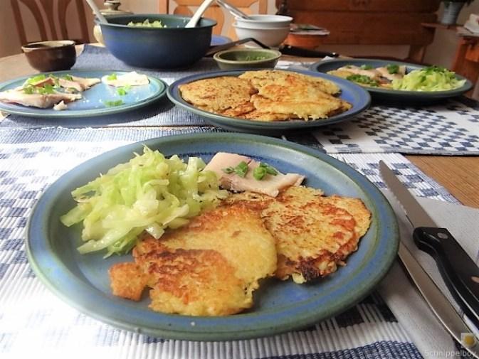 Kartoffelpuffer,geräucherteForelle,Weißkohlsalat,Nchtisch (25)