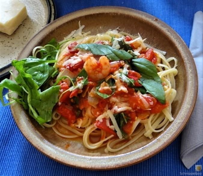 Nudeln mit Tomatensauce (7)