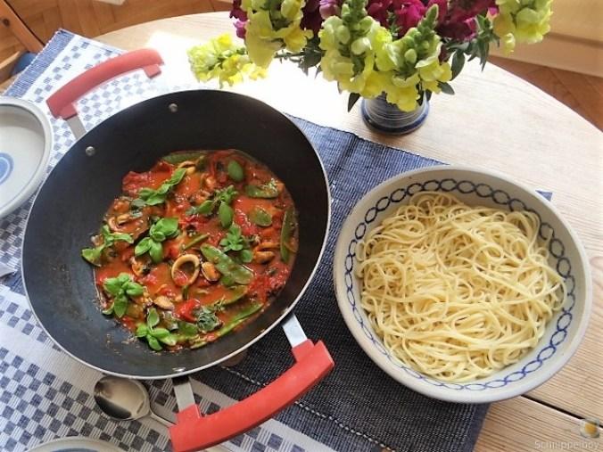 Tomaten, Meeresfrüchte, Spaghetti, Trauben (15)