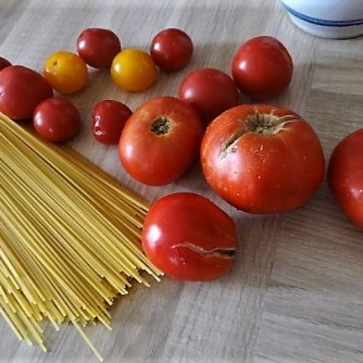 Tomaten, Meeresfrüchte, Spaghetti, Trauben (7)