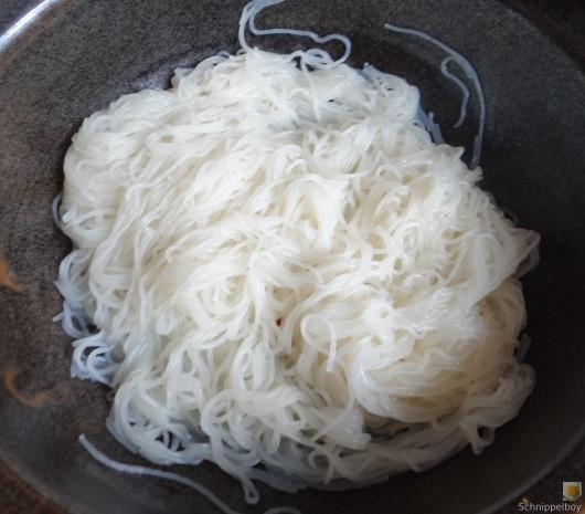 Wokgemüse mit Reisnudeln und Fleisch (15)