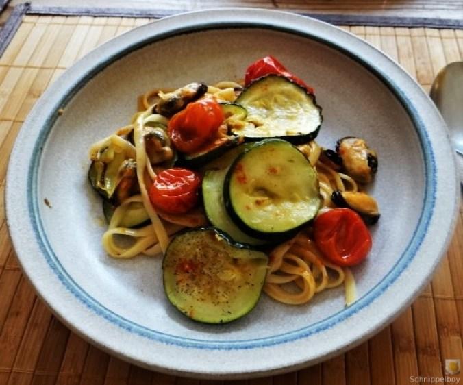 Linguine,geschmorte Tomaten,Miesmuscheln (18)