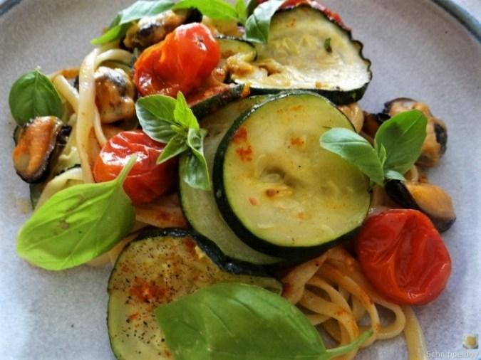 Linguine,geschmorte Tomaten,Miesmuscheln (2)