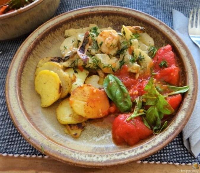 Schmorgurke, Tomatenragout, Meeresfrüchte (1)