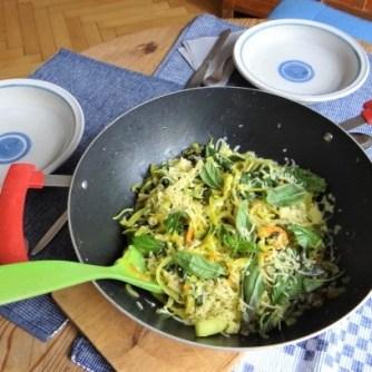 Zucchini,Mangold und Reste vom Vortag (14)