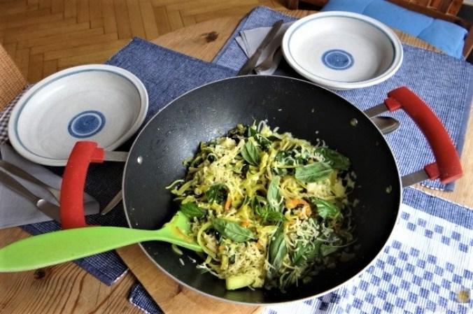 Zucchini,Mangold und Reste vom Vortag (3)