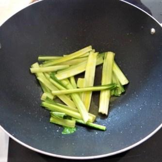 Zucchini,Mangold und Reste vom Vortag (6)