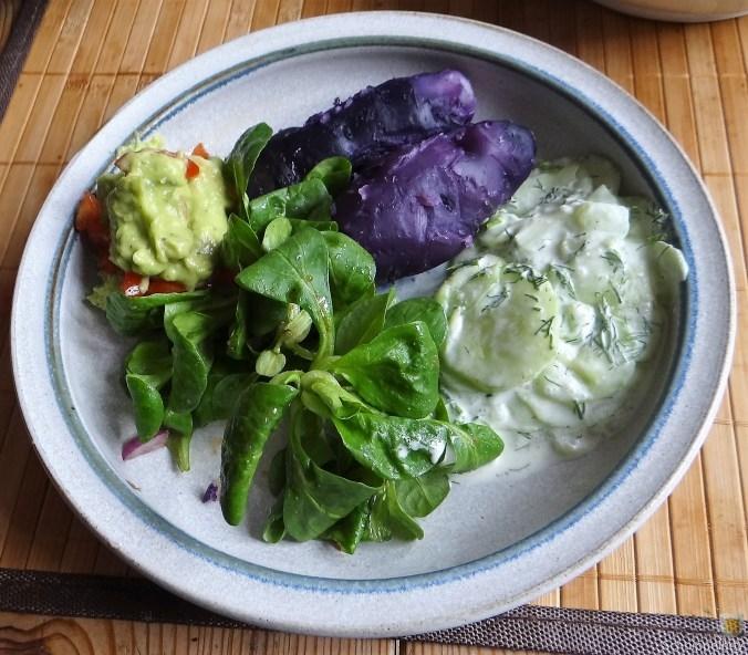 Lila-KartoffelGuacamoleSalate-15