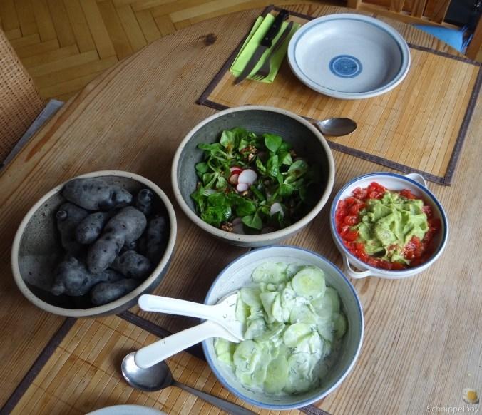 Lila-KartoffelGuacamoleSalate-3