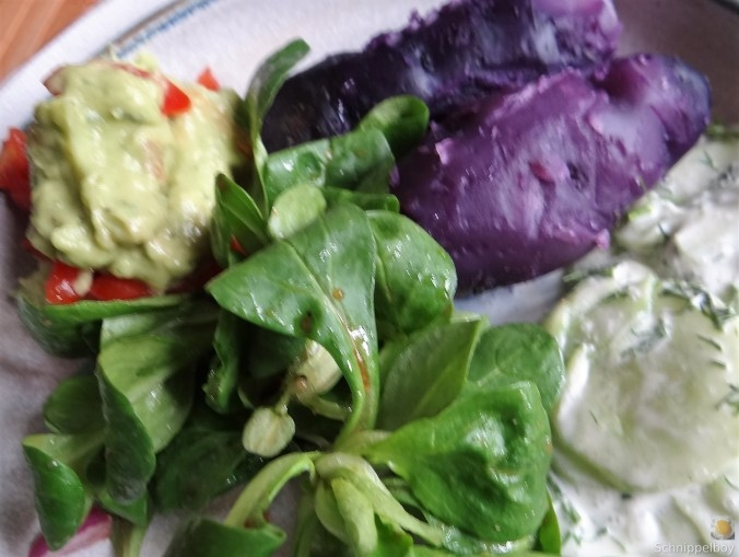 Lila-KartoffelGuacamoleSalate-4
