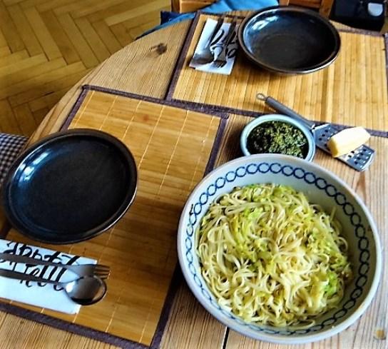Linguine mit gebratenem Spitzkohl,Basilikum , Pesto, 17.10.19 (6)