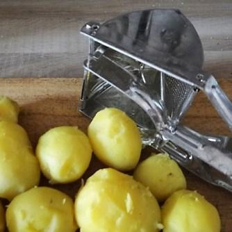 Sauerkraut, Kartoffeltaler, Kassler, (7)