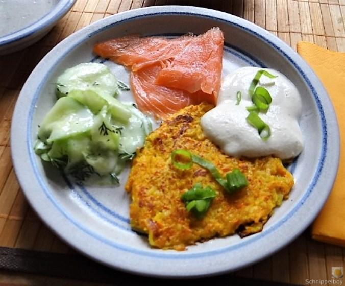 Kürbisrösti,Lachs,Salat,Rhabarberkompott (20)