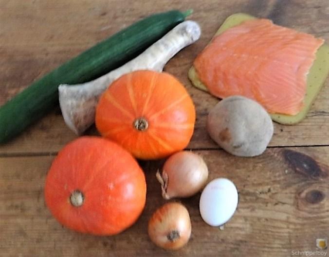 Kürbisrösti,Lachs,Salat,Rhabarberkompott (8).JPG