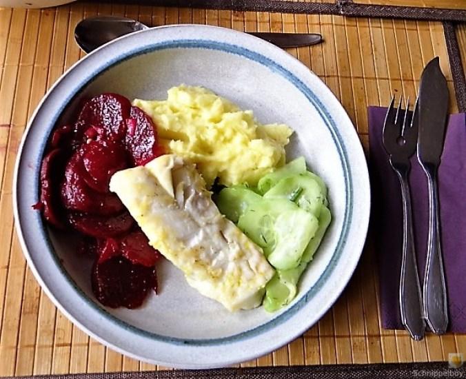 Kabeljau, Zitrus Senfsauce. Kartoffelstampf, Salate (2)